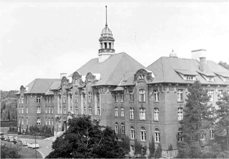 Macdonald College-r